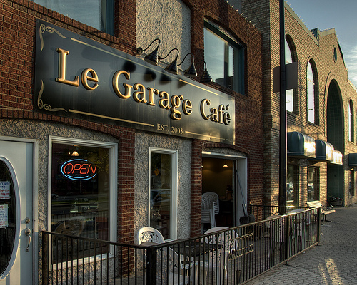 Le garage cafe winnipeg love hate - Restaurant le garage meylan ...