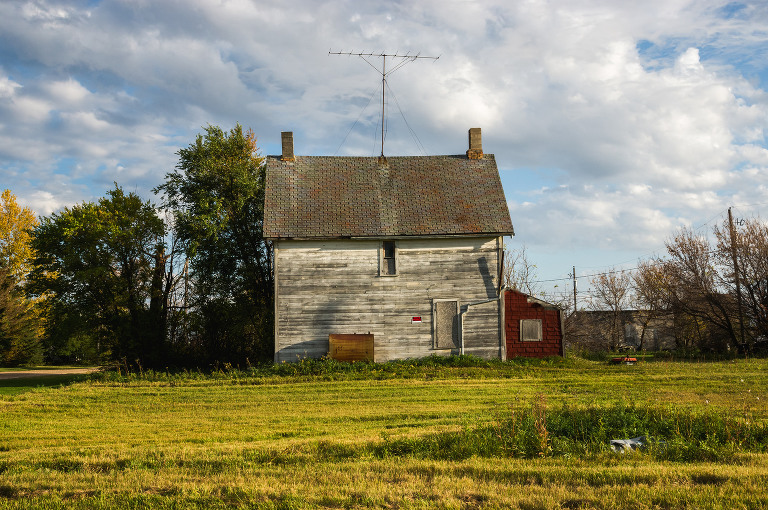 Old House (Lauder, Manitoba).